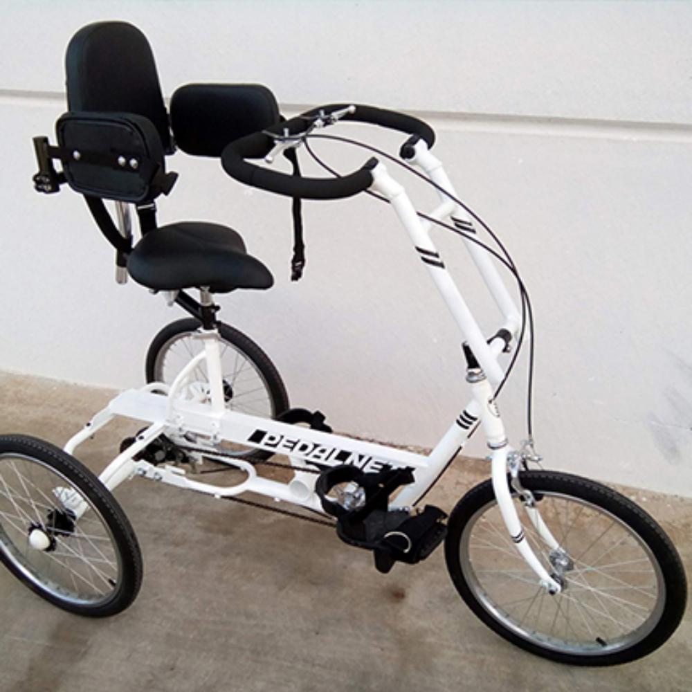 Bicicleta-adaptada-triciclo